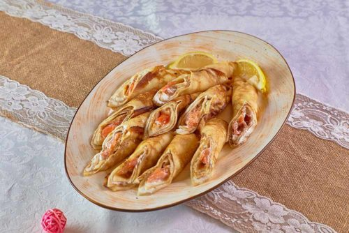 Блинчик с лососем и сырным муссом, фото